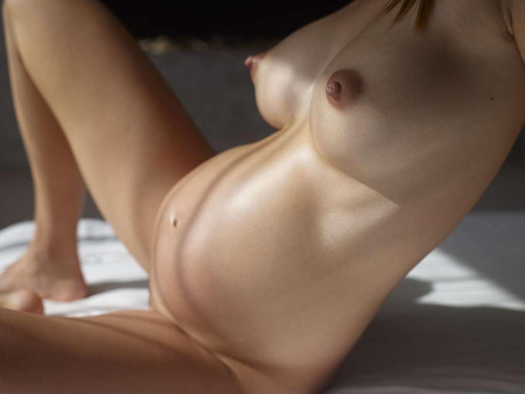fille enceinte bonasse nue (104)