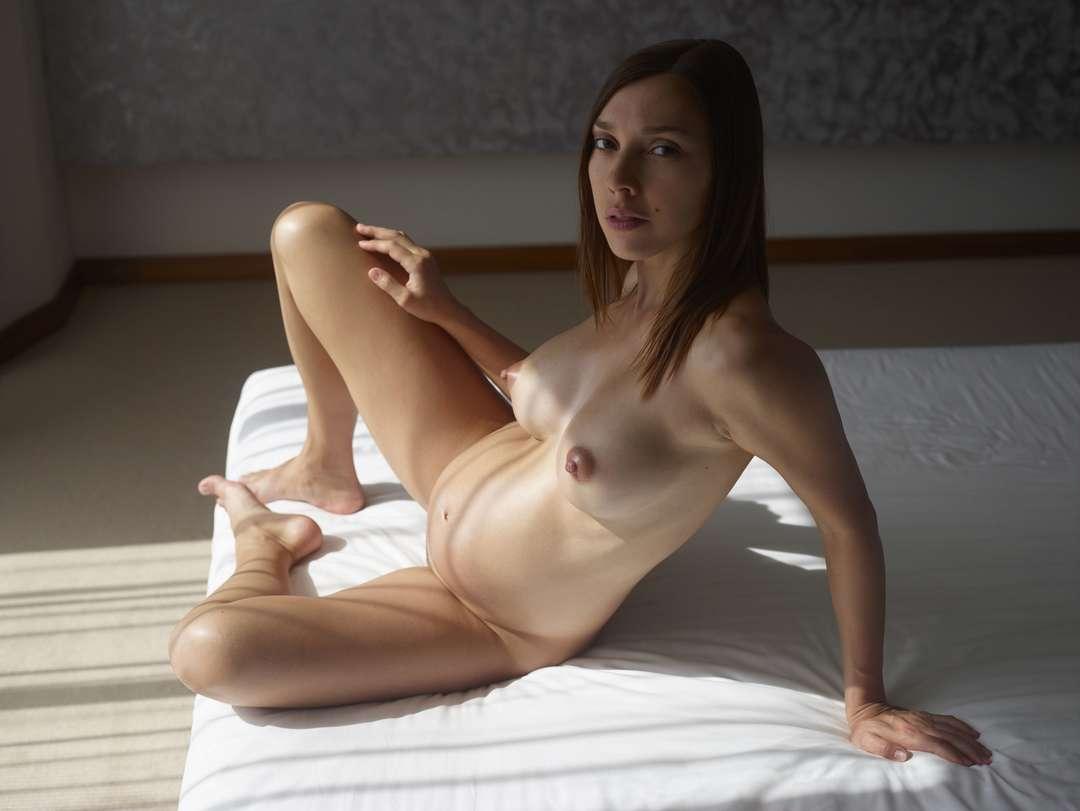 fille enceinte bonasse nue (105)