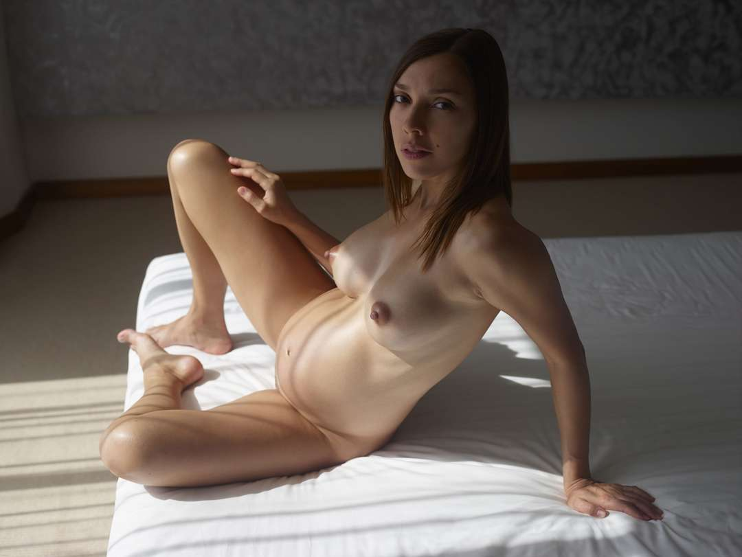 fille enceinte bonasse nue (106)