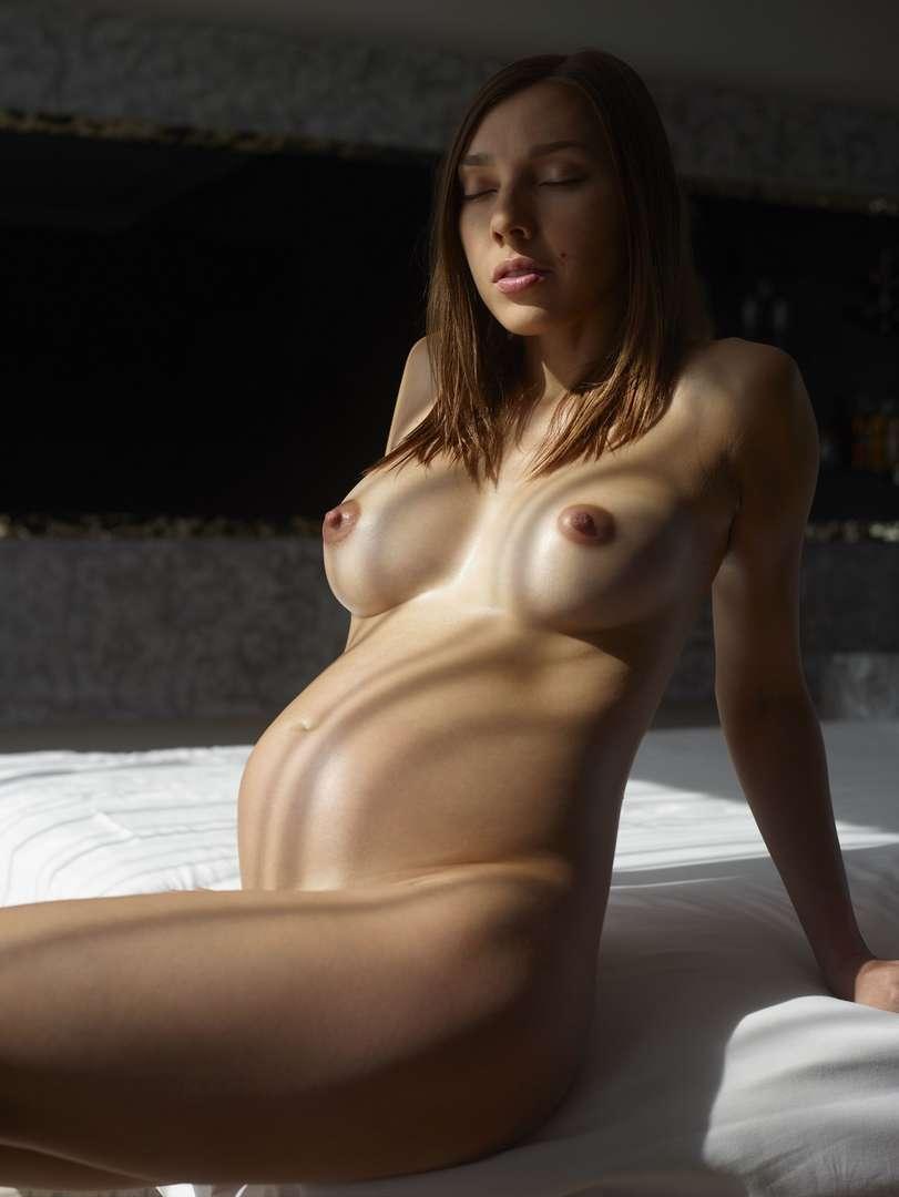 fille enceinte bonasse nue (125)