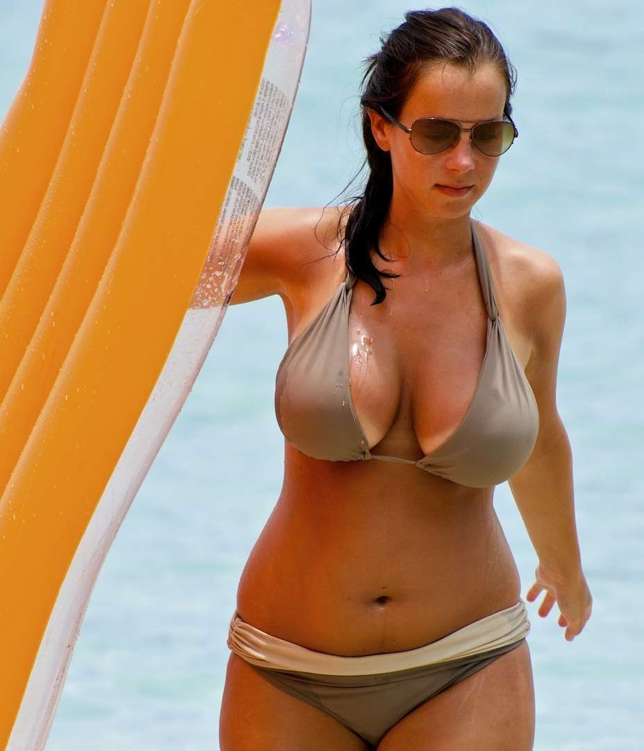 gros seins bikini (9)