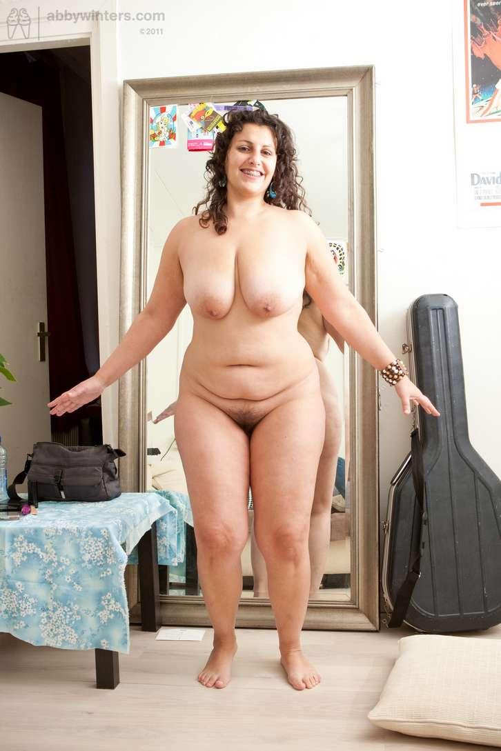 grosse brune sexy nue (126)