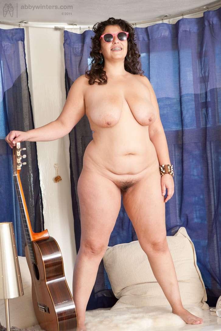 grosse brune sexy nue (135)