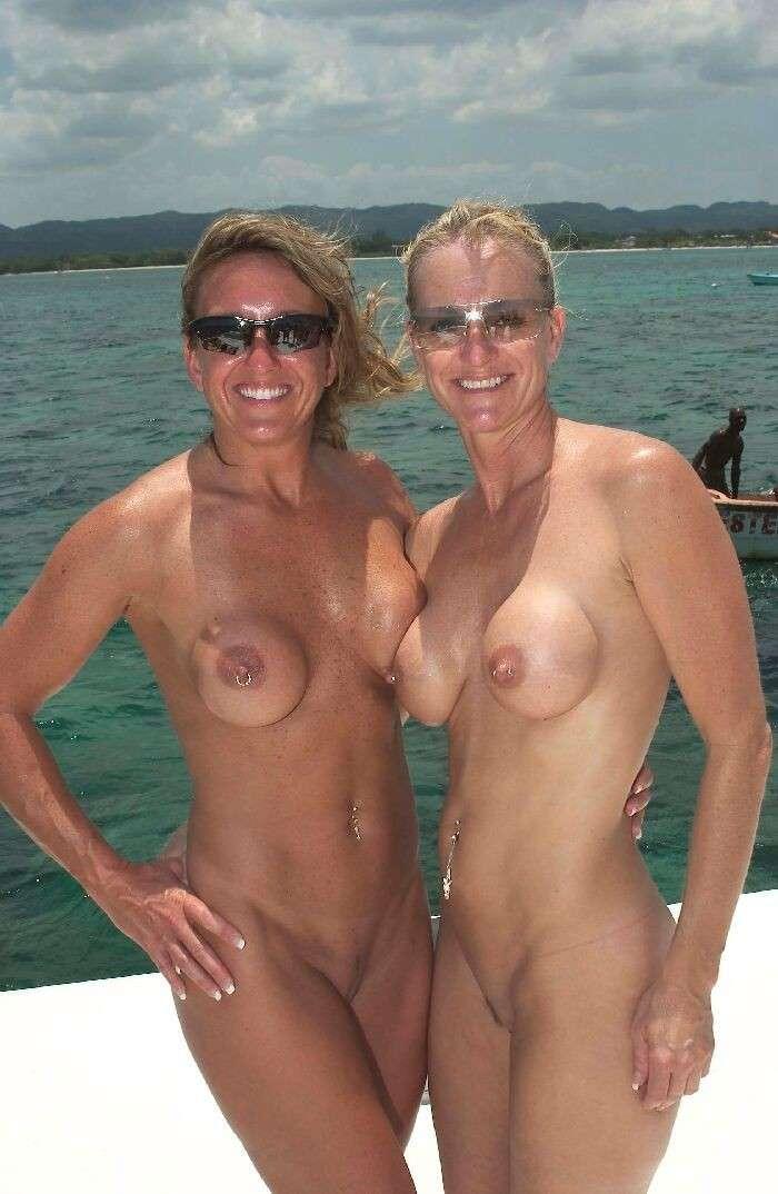 mature gros seins nue plage (5)