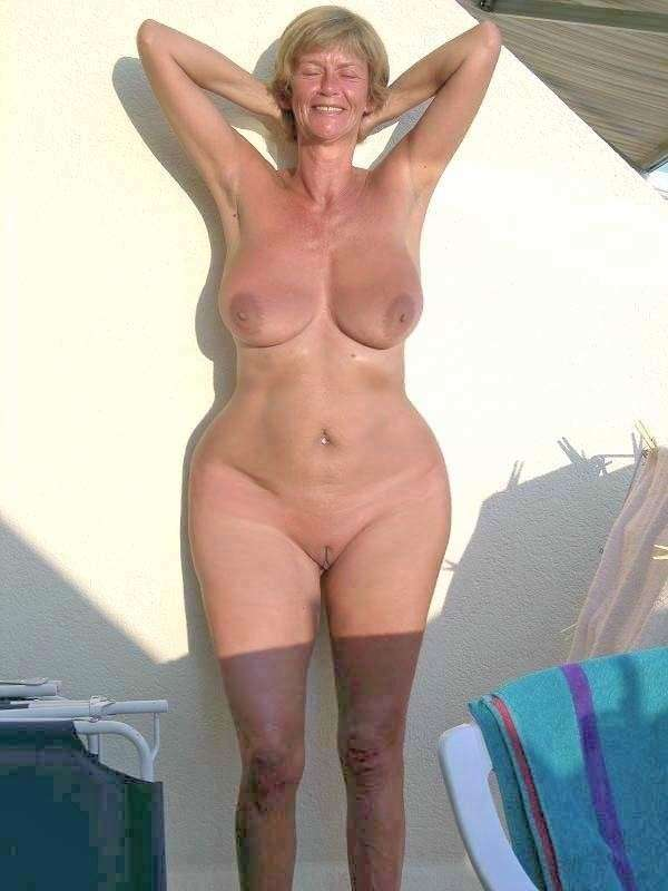 Boy girl nude photoshoot