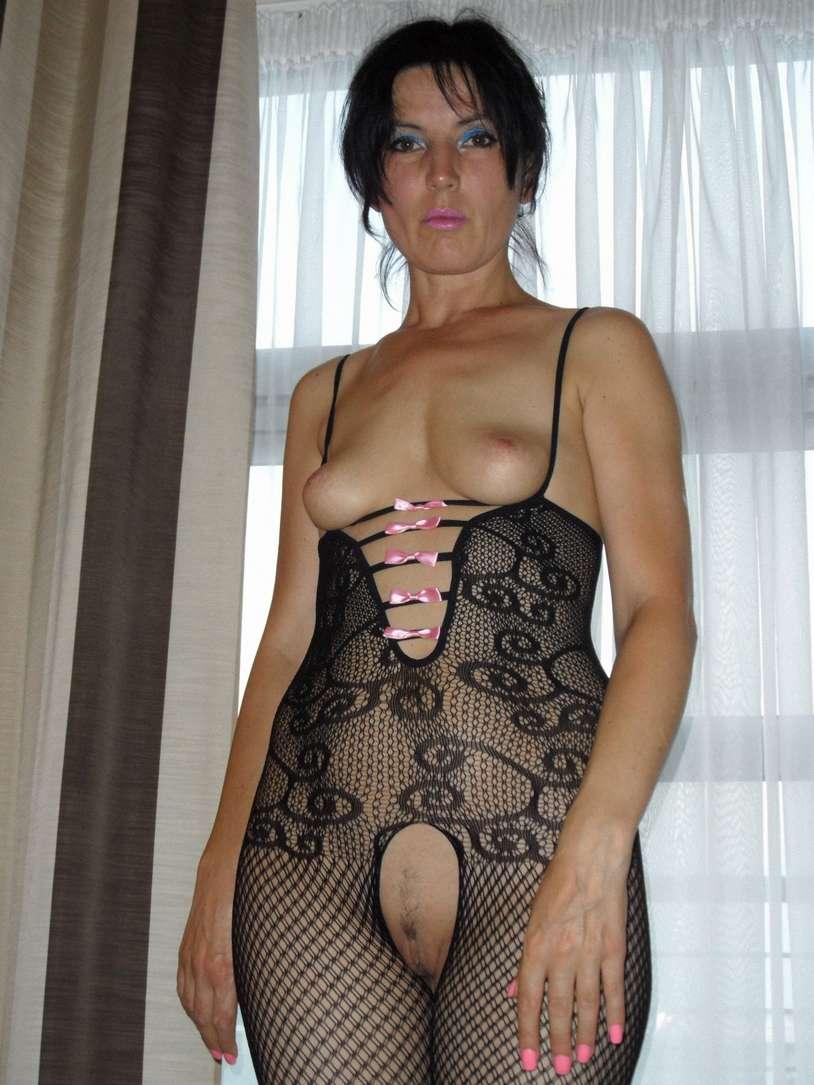 En tenue de coquine a l hotel - 2 part 2