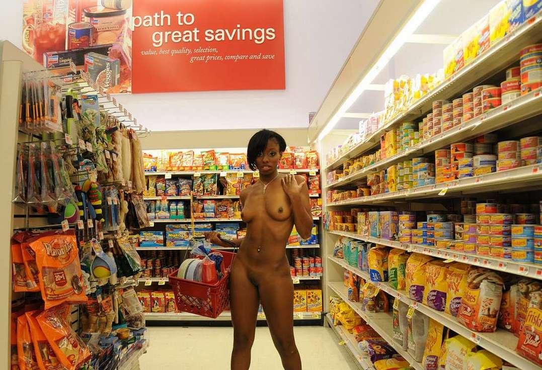 nue exhibe magasin (22)