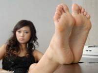 Jolis pieds de filles asiatiques sexy