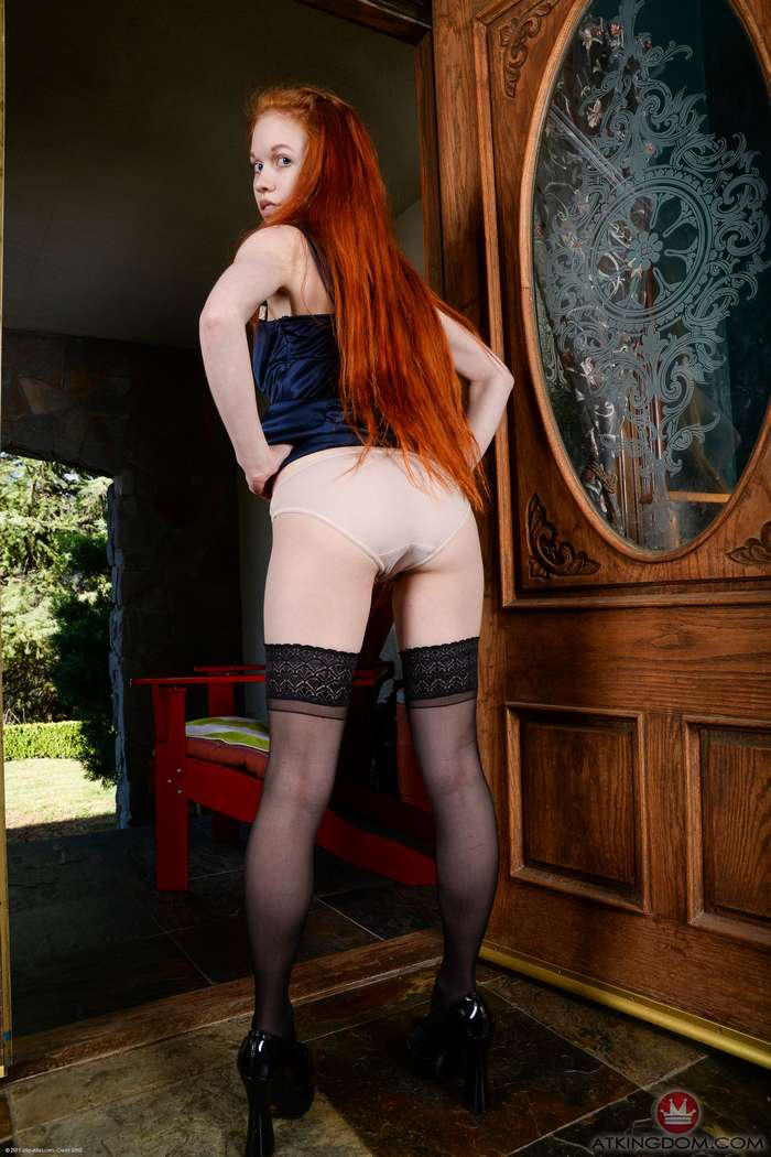rousse nue chatte rasee (118)