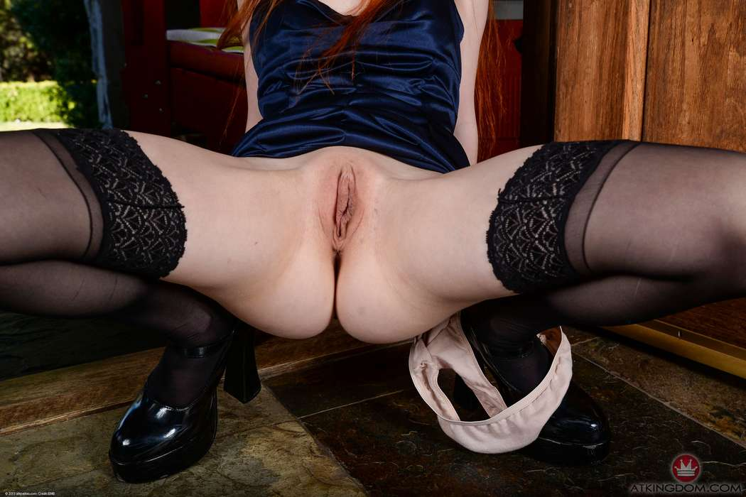 rousse nue chatte rasee (128)