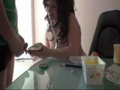 salope mange foutre (1)