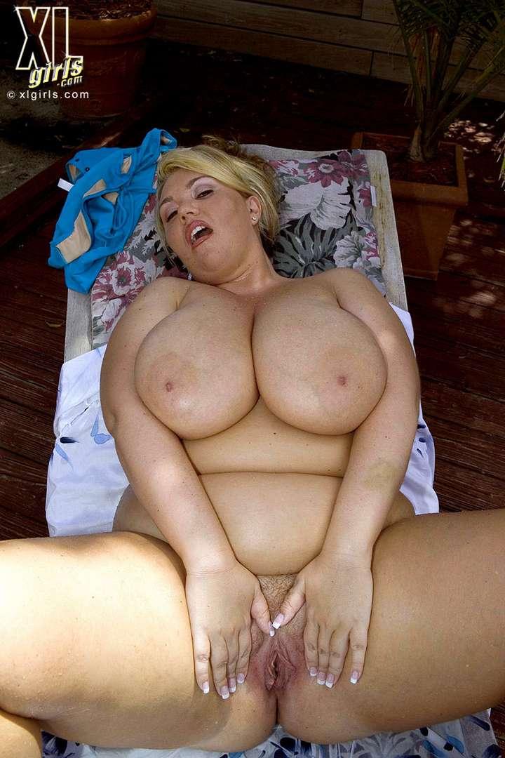 Devin Taylor, une grosse blonde BBW nue pour vous