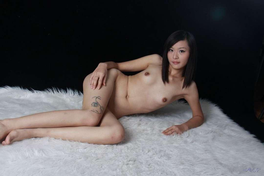 asiatique sexy petits seins (17)