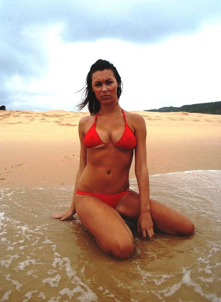 bikini gros nichons (4)