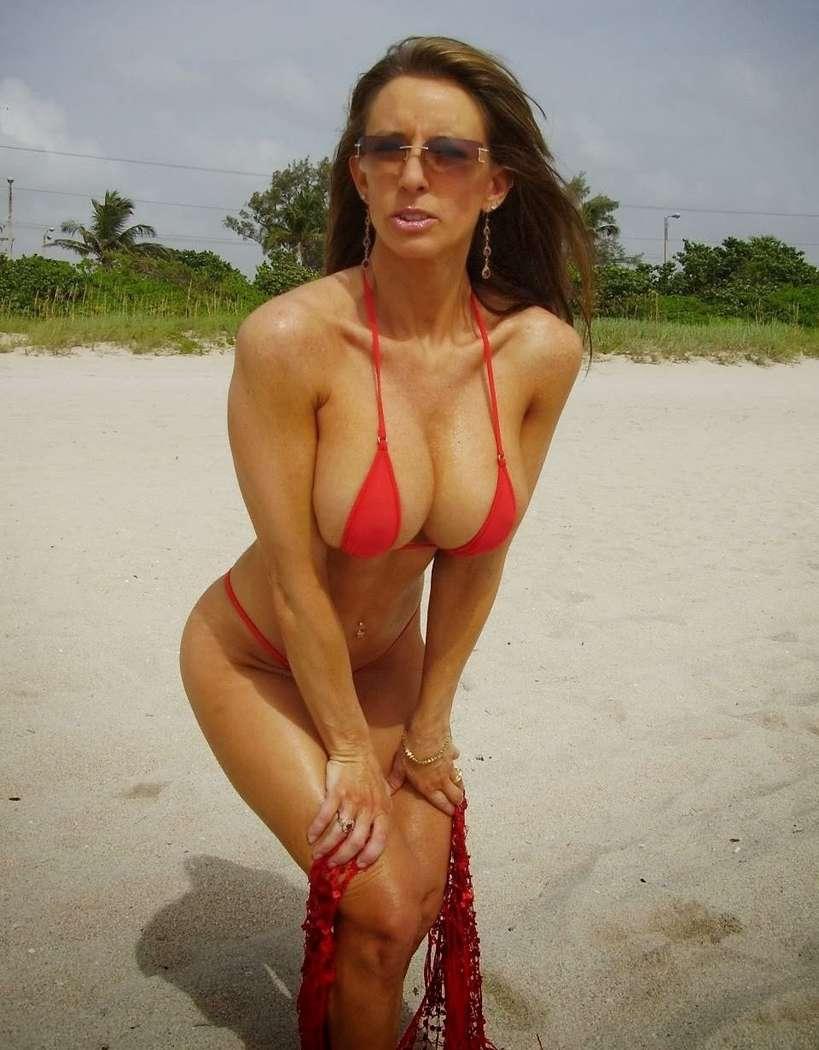 bikini gros nichons (7)