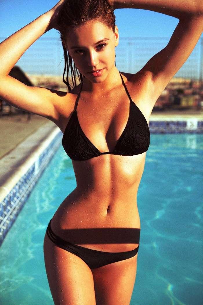 bikini gros nichons (8)