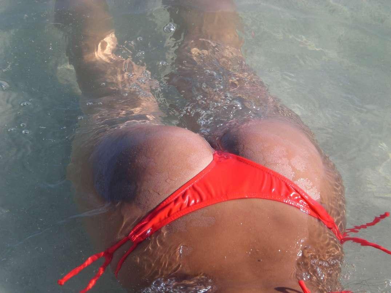 bombasse bresilienne bikini nue (13)