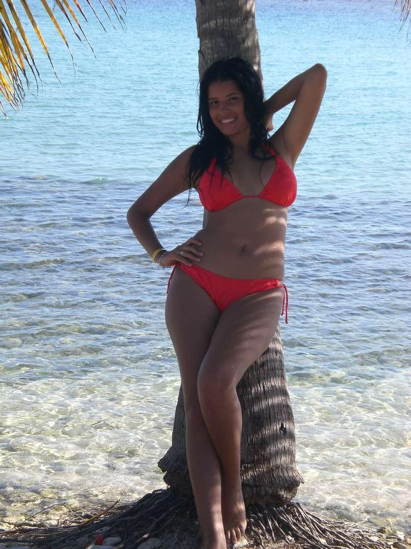 bombasse bresilienne bikini nue (22)