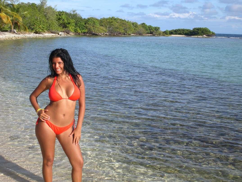bombasse bresilienne bikini nue (25)
