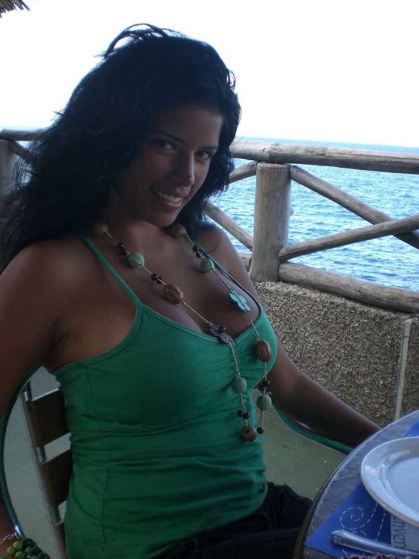 bombasse bresilienne bikini nue (29)