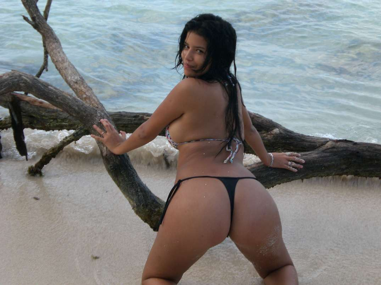 bombasse bresilienne bikini nue (4)