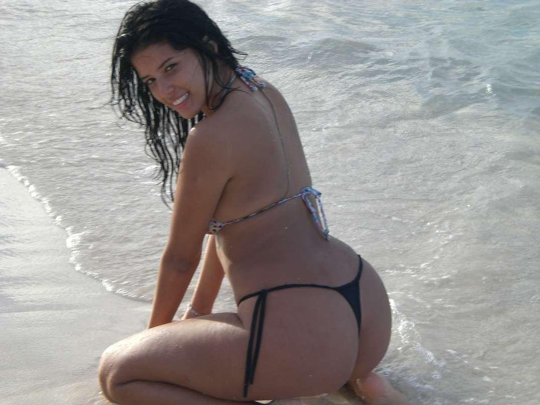 bombasse bresilienne bikini nue (5)