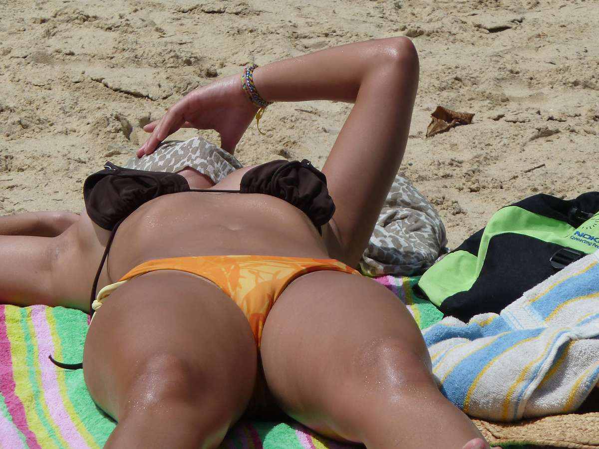 cul brune plage sexy (106)