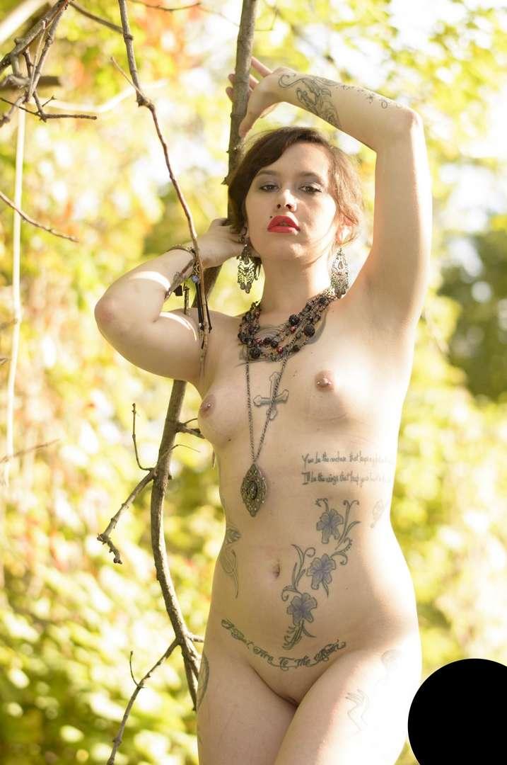 Photos gothiques nues gratuites