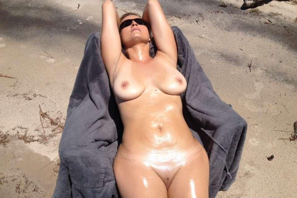 gros seins nue plage pipe (102)