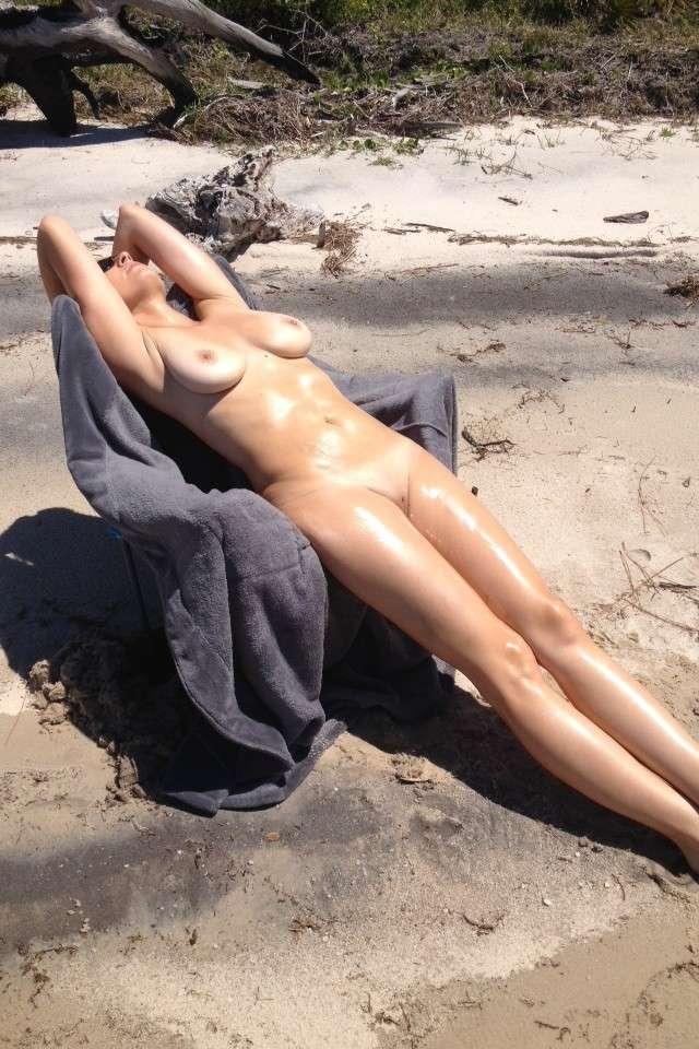 gros seins nue plage pipe (108)