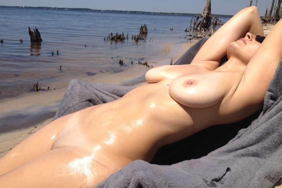 gros seins nue plage pipe (114)