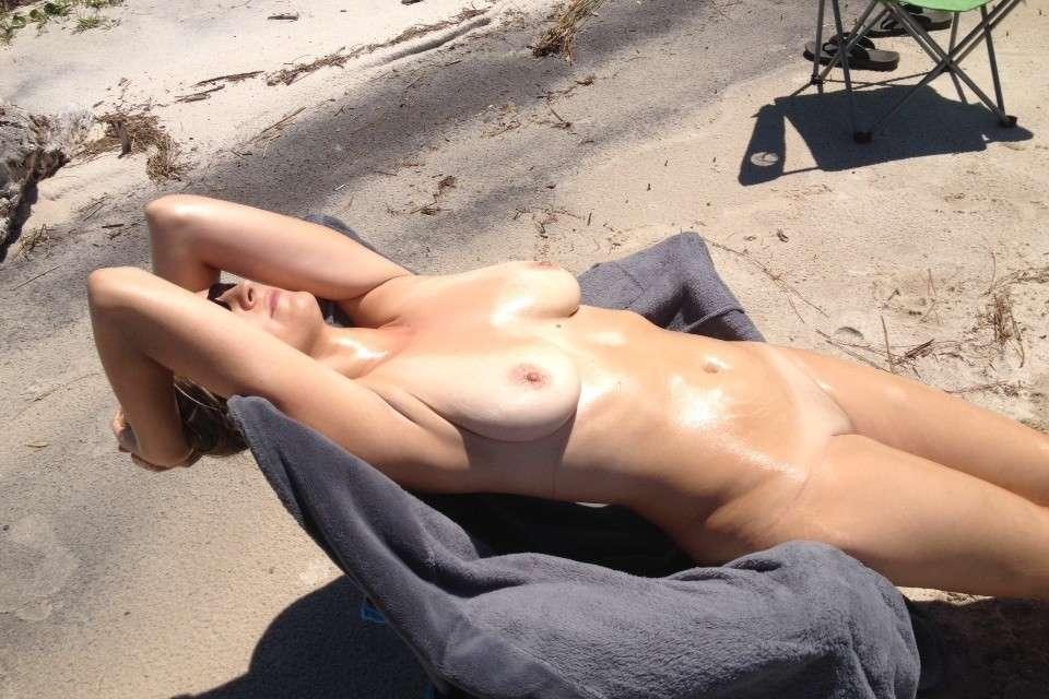 gros seins nue plage pipe (118)