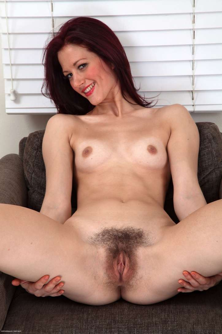 maman brune poilue chatte (118)