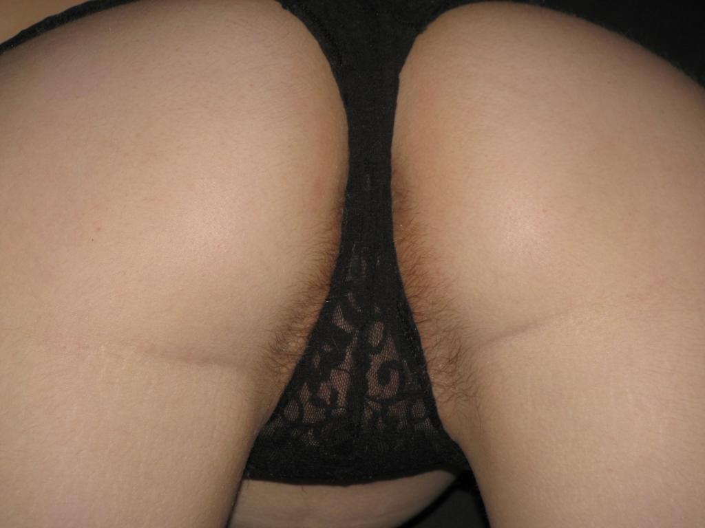 milf petits seins chatte poilue (115)