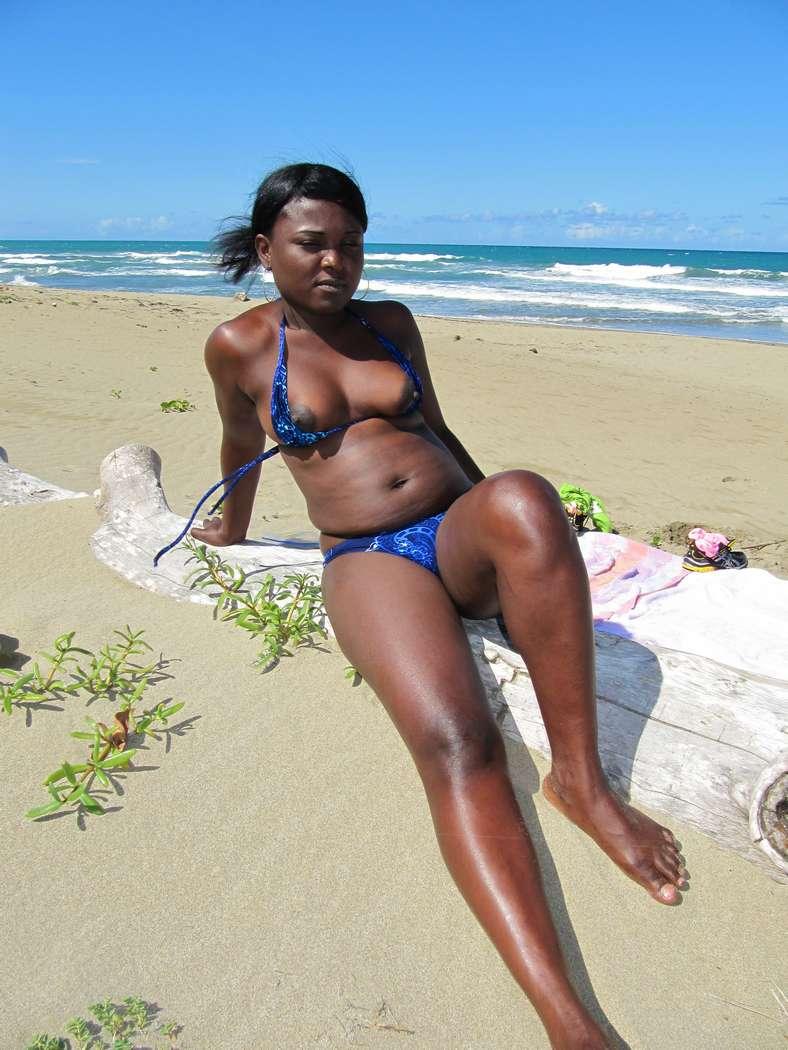 noire oops seins plage (108)
