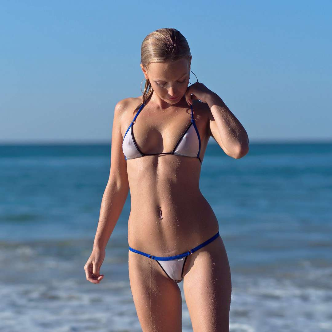 Amateur bikini models