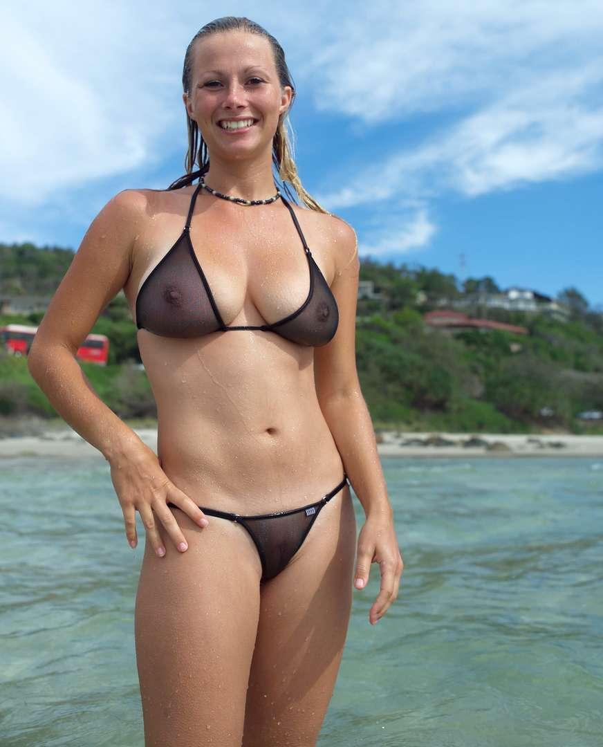 oops bikini seins (17)