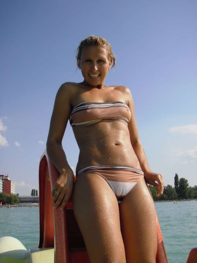 oops bikini seins (21)