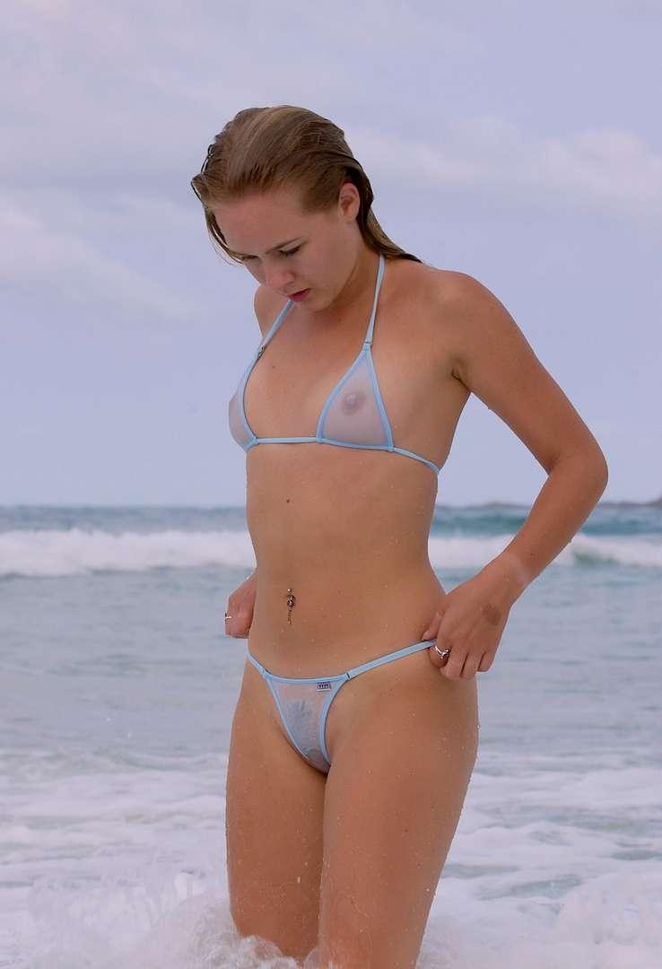 oops bikini seins (23)