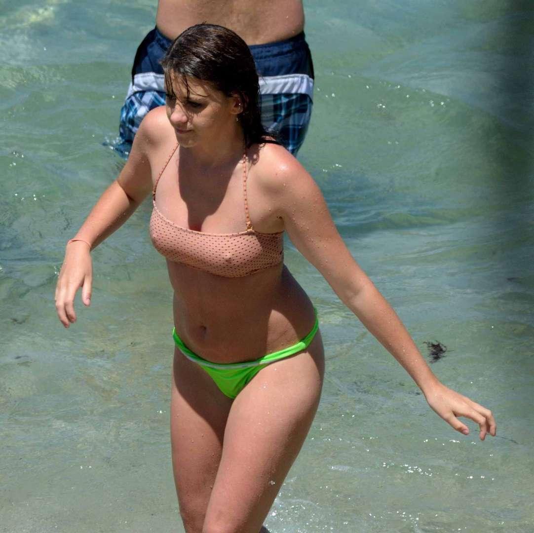 oops bikini seins (31)