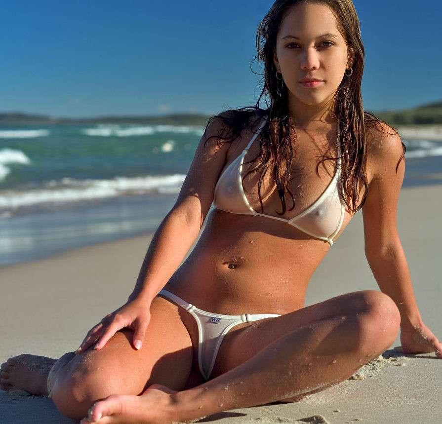 oops bikini seins (32)
