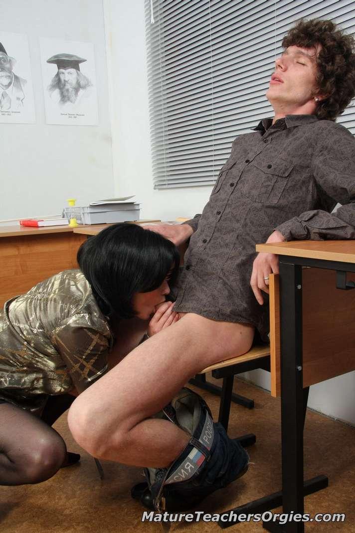 prof mature baise jeune (104)