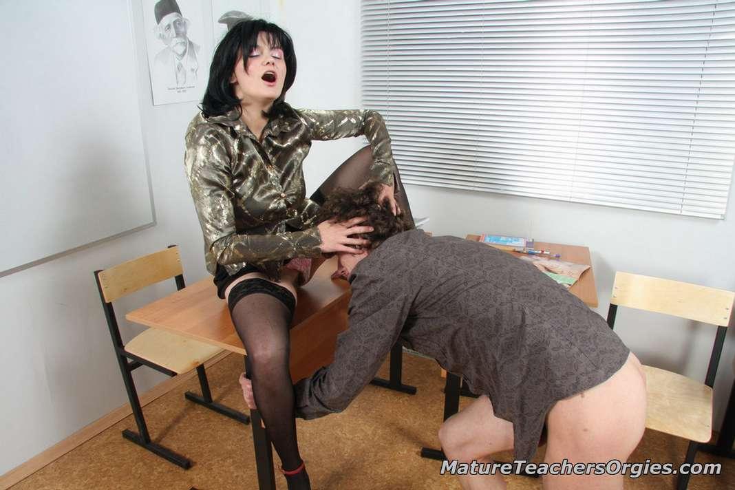 prof mature baise jeune (110)
