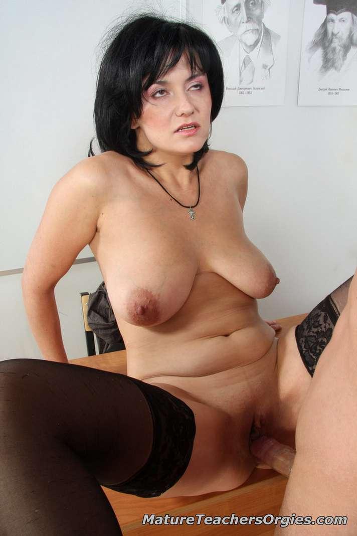 prof mature baise jeune (126)