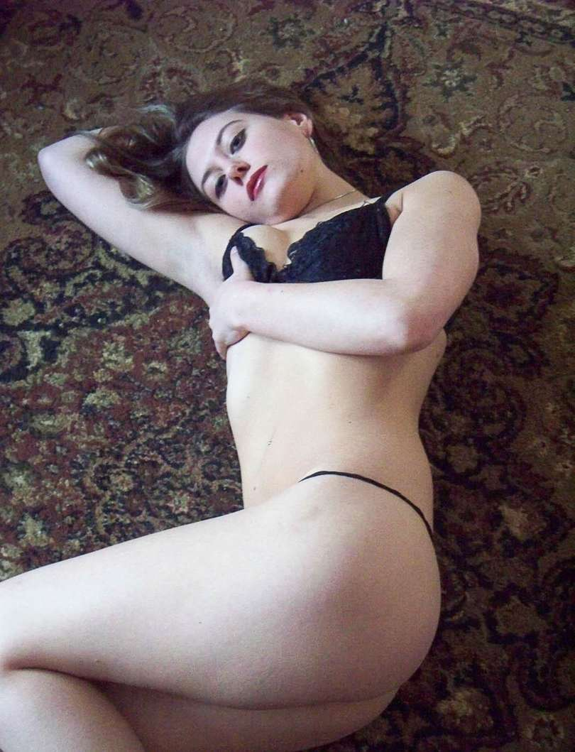 valentine belle blonde chaude nue (104)