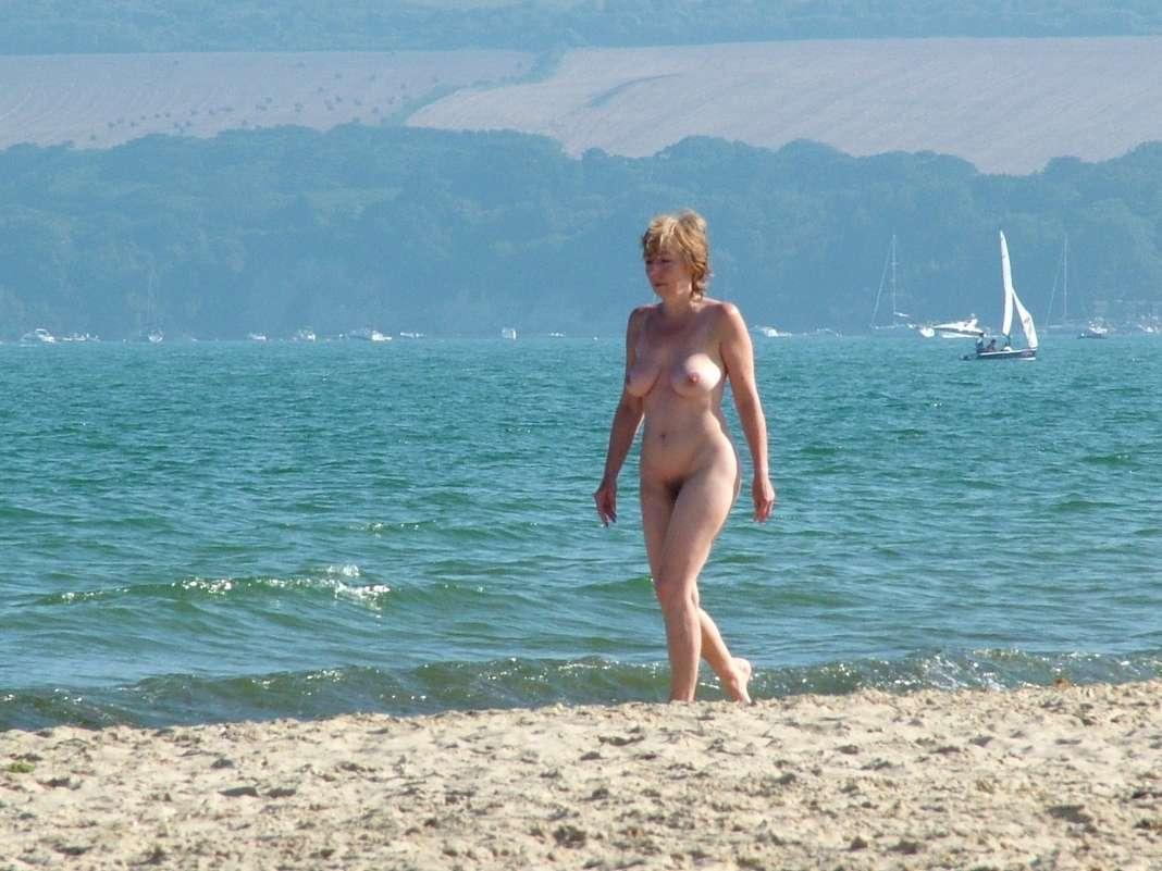 voyeur femme mature nue (106)