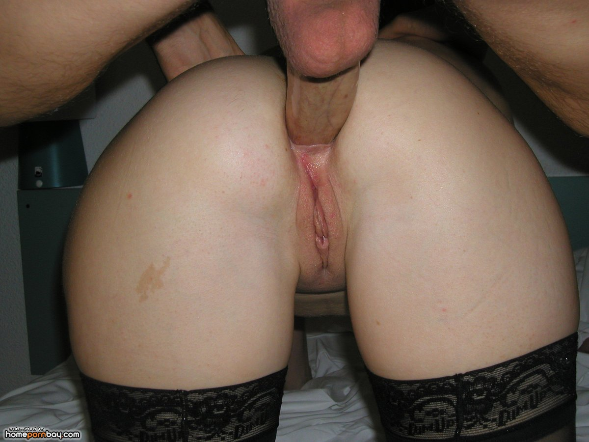 Amateur-Blonde-Wife-Wearing-Wedding-Ring-Giving-Blowjob-11