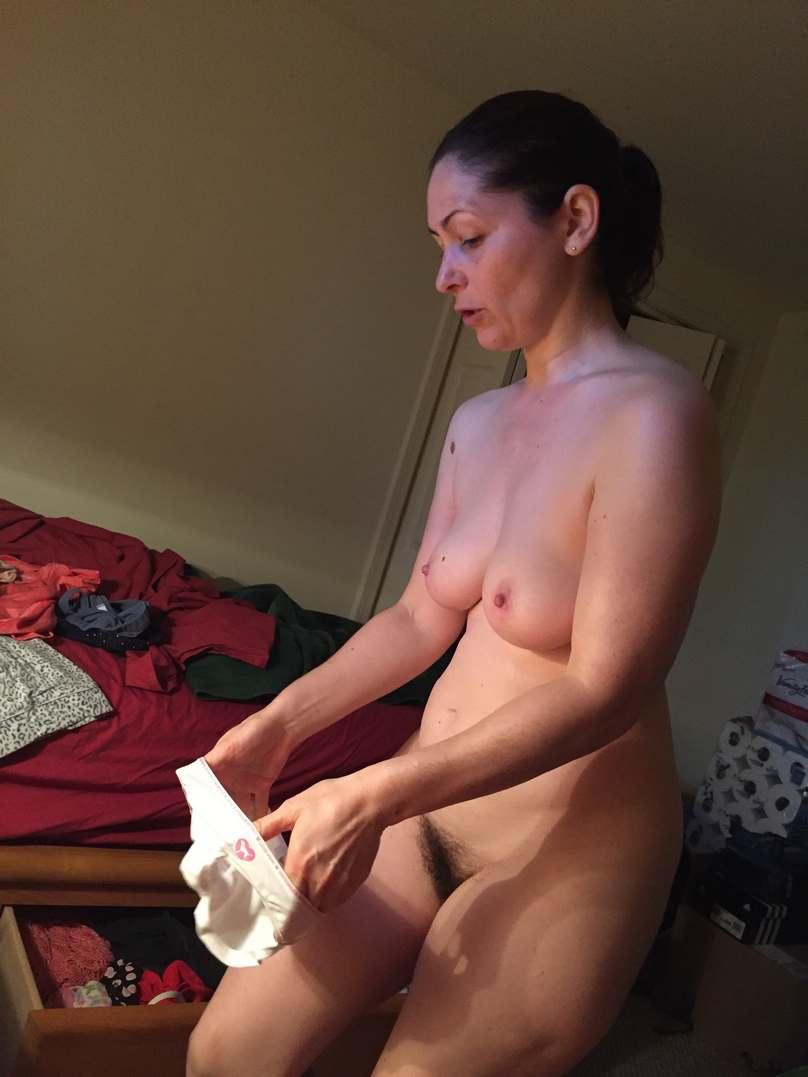 Histoire rotique - Les seins de maman - xstory-frcom