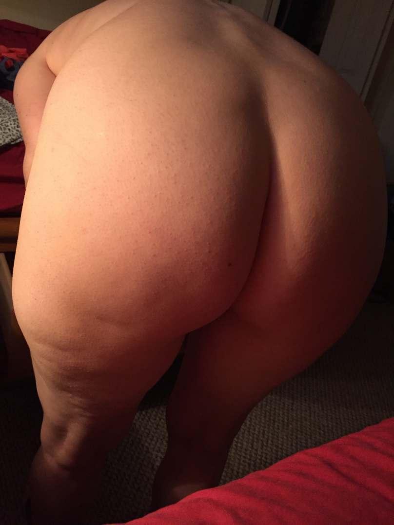 maman poilue gros seins nue (5)