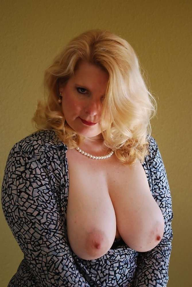 mature nue gros seins (2)